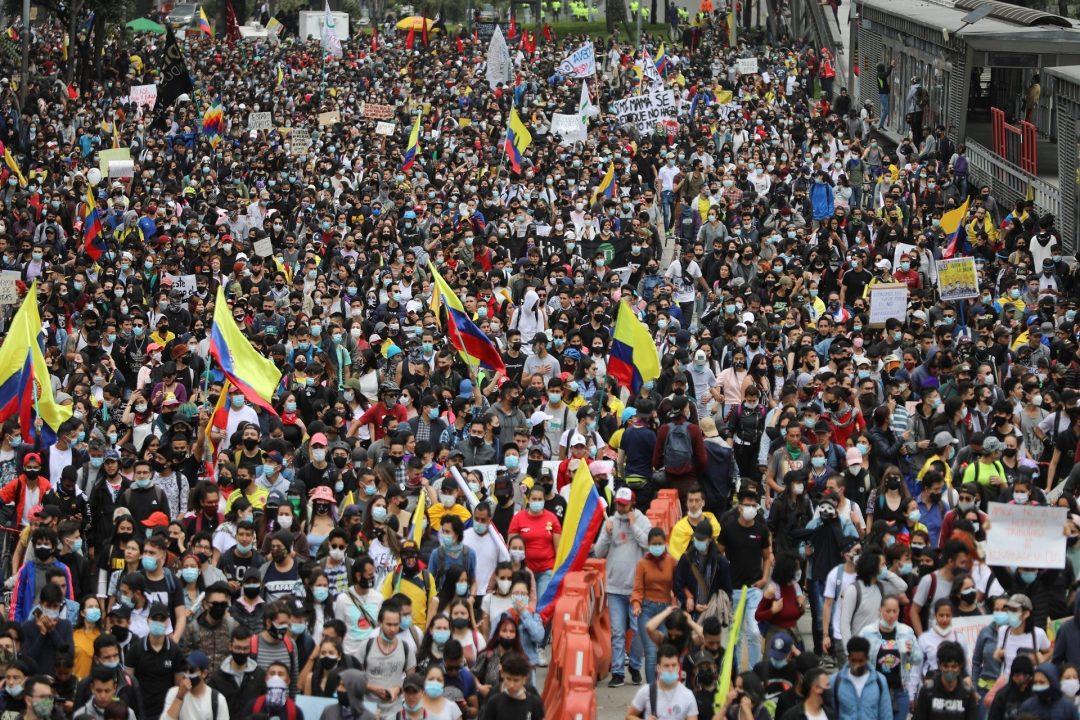 KOLOMBİYA'DA VERGİ REFORMU PROTESTOLARINDA 30 ÖLÜM